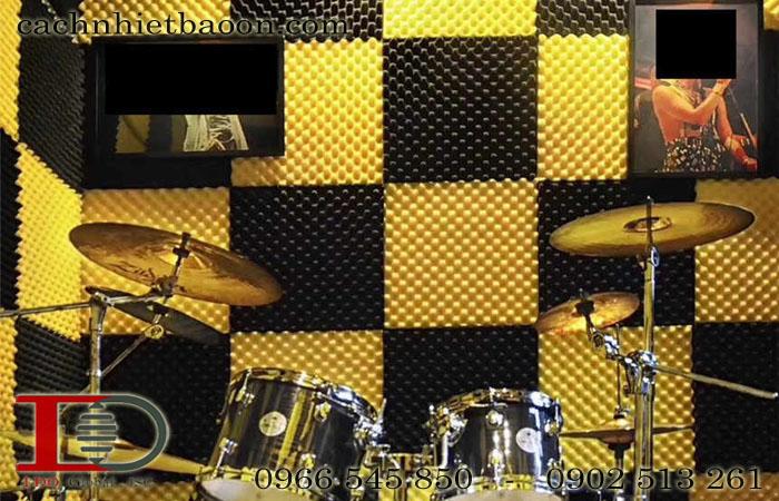 Mút trứng tiêu âm phòng chơi nhạc màu vàng