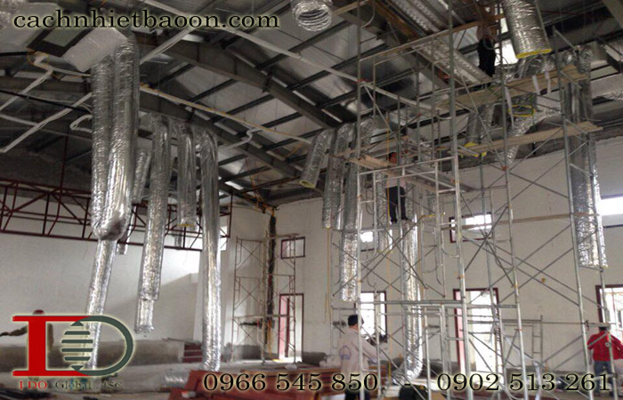 Thi công hệ thống ống gió mềm chống nóng nhà xưởng