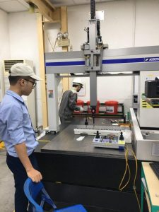 Điều hòa tủ điện làm mát máy đo, kiểm tra sản phẩm